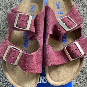 NEW Birkenstock Arizona sandal-burgundy suede